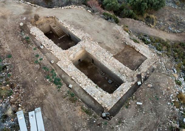 Una de las cuatro cisternas de agua encontradas en el sitio de Metrópolis. (DHA)