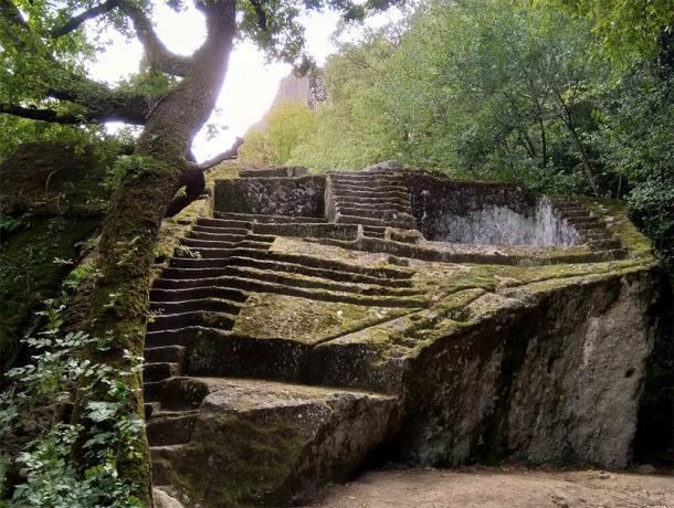 """Piramide Etrusca di Bomarzo o la """"Pirámide Etrusca de Bomarzo"""" (Alessio Pelligrini / Flickr)"""