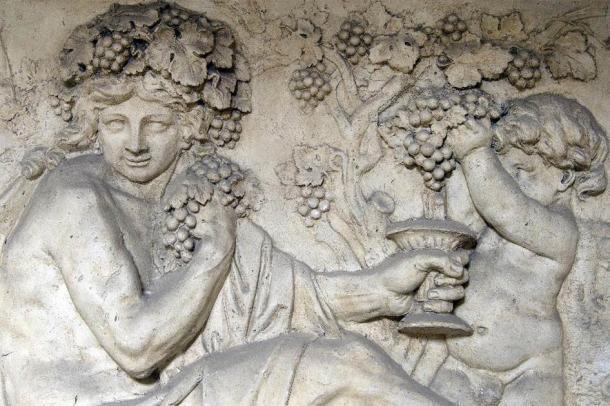 Sabemos por el registro arqueológico que Yahvé fue adorado como Dionisio en la era clásica posterior. (morane / Adobe Stock)