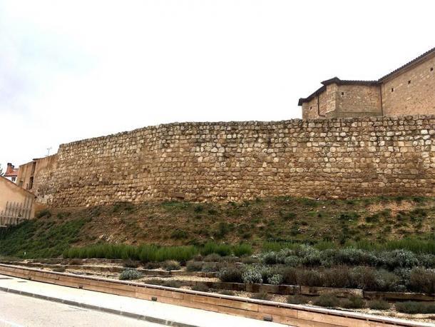 Sección de la muralla de la villa medieval de Almazán, España. (Retuerce Velasco, M. et. Al. / Universidad Complutense de Madrid)