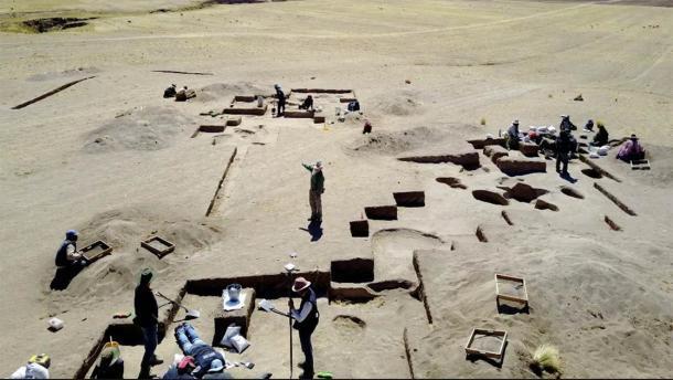 Excavaciones en Wilamaya Patjxa en Perú, donde se encontró el entierro de la cazadora. (Randall Haas / Universidad de California, Davis)