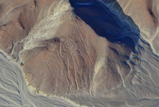 Vista aérea de las Líneas de Nazca Owlman (astronauta), Perú. ( Cezary Wojtkowski / Adobe Stock)