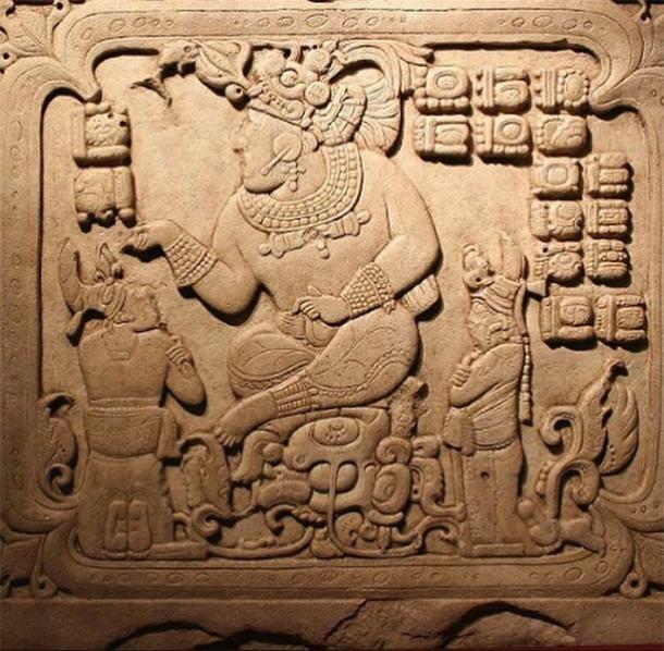 Icono del gobernante maya que muestra rasgos físicos únicos en comparación con los mayas comunes. (visiblelanguagejournal.com)