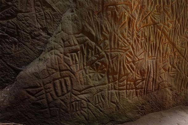 Estos son algunos de los grabados de la cueva Edakkal, con obvias similitudes con los estudiados en Danigala (Vengolis / CC BY-SA 4.0)