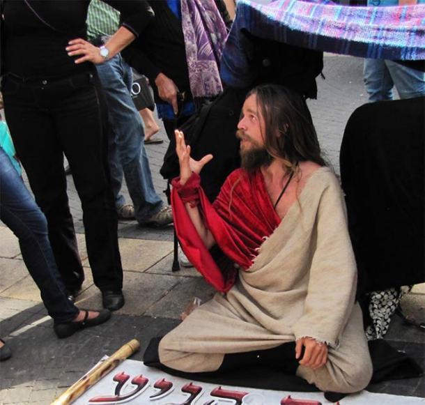 """Un hombre que sufría del """"síndrome de Jerusalén"""" en Tel Aviv, 2010. Afirmó que era el Mesías. Esta es una aflicción común en Israel. (Jacek Proszyk / CC BY SA 4.0)"""