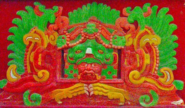 Una de las caras en la entrada del templo de Rosalila. (Artix Kreiger 2 / CC BY-SA 2.0)
