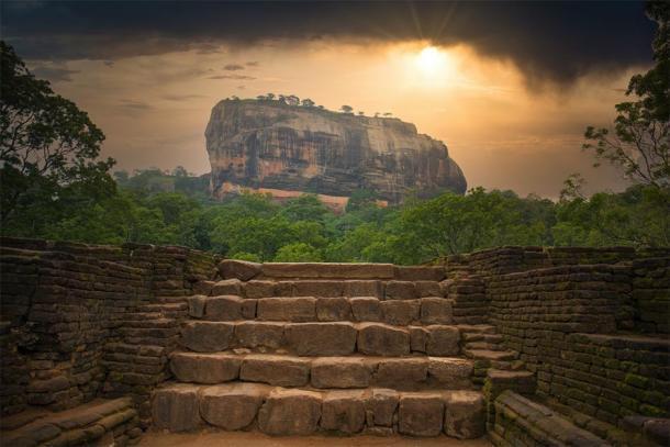 Imagen desde la distancia de Sigiriya en Sri Lanka. (Stock de Christian / Adobe)