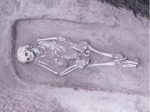 El individuo encontró tener enanismo durante la excavación en Guanjia. (CC BY 4.0 Science Direct)