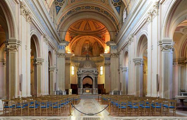 Interior de la Basílica dei Santi Bonifacio ed Alessio, Roma, Italia. (Livioandronico2013 / CC BY SA 4.0)