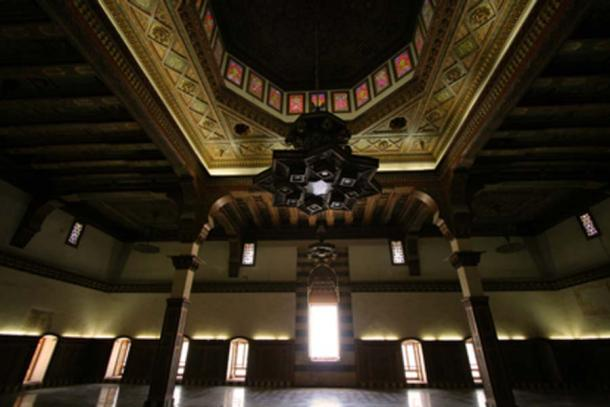 Interior de la ciudadela de Alepo (thomashlavac / Adobe Stock)