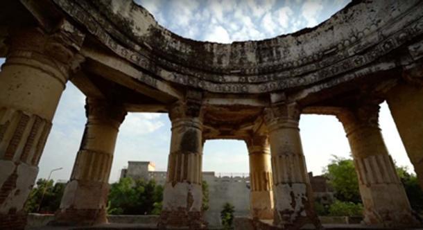 ¿Es la reapertura del antiguo templo hindú Shawala Teja Singh un signo del fin de la violencia? (Junaid Syed / YouTube Screenshot)