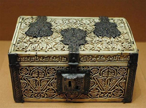 Marfil islámico de España, AD 966. (Museo del Louvre / Dominio público)
