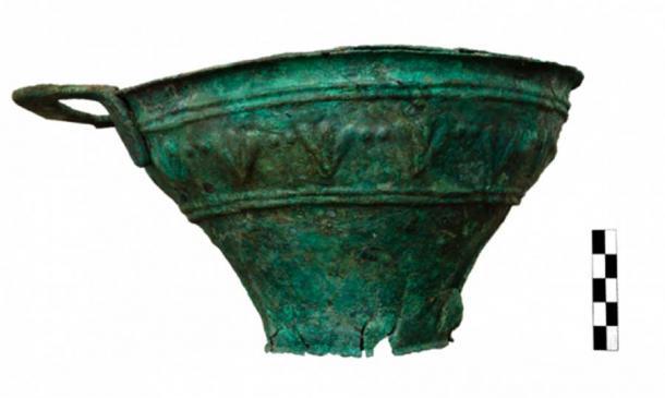 Un jarrón de cobre encontrado en el sitio. (Ministerio de Cultura griego)