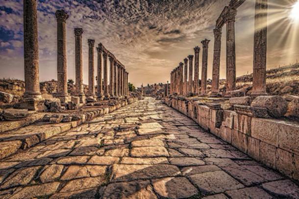 Jerash - 29 de septiembre de 2018: antiguas ruinas romanas de Jerash, Jordania. (rpbmedia/Adobe Stock)