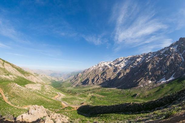 La ciudad perdida fue encontrada cerca de las montañas Zagros, en la foto (sghiaseddin / Adobe Stock)