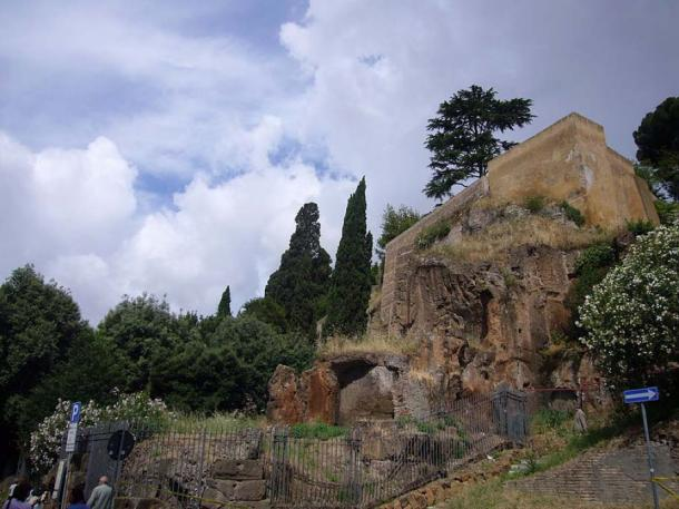 La roca Tarpeya ahora está descuidada y rara vez es visitada por turistas. (CC BY-SA 4.0)