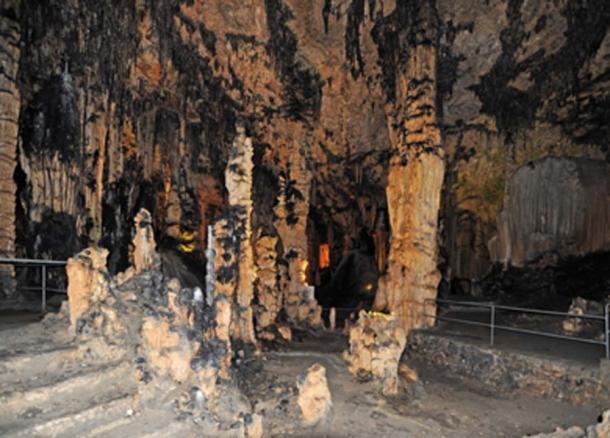 Las formaciones de las cuevas de Artà revelan los antiguos niveles del mar. (arvernho / Adobe Stock)