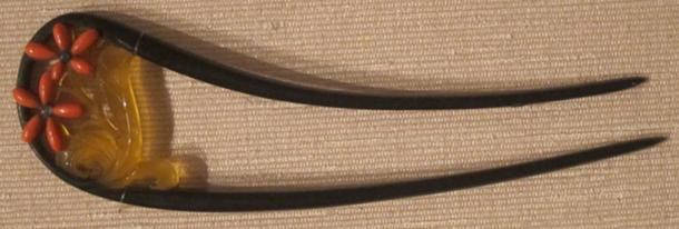 Las ninjas kunoichi, femeninas, asesinas antiguas, afilarían sus horquillas kanzashi para usarlas como arma. (Hiart / Dominio Público)