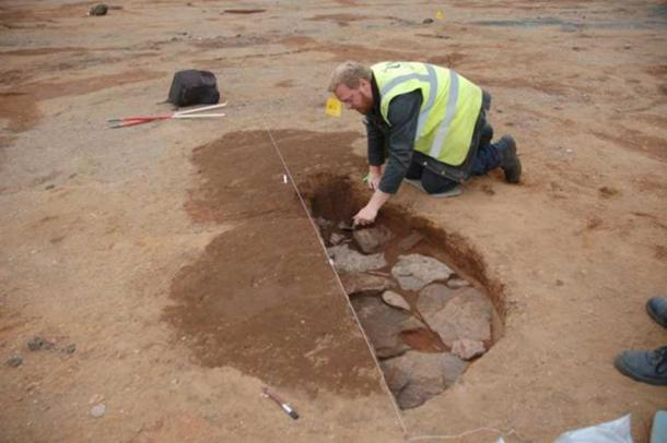 Los restos del campamento de marcha romano fueron descubiertos durante las obras de construcción. (GUARDIA Arqueología Ltd)