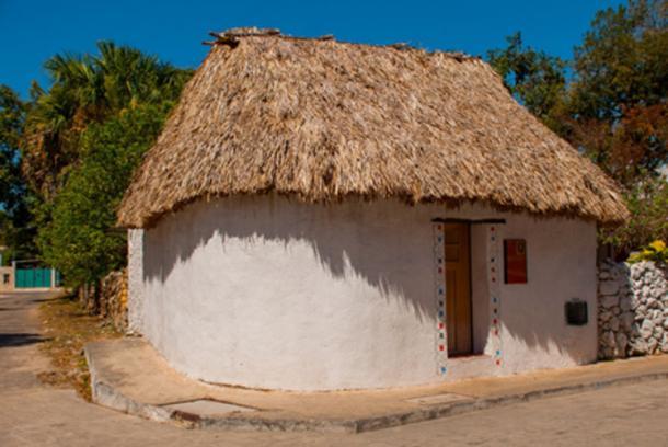 Muchos mayas en la península de Yucatán en México todavía se visten, cocinan y viven como sus parientes lo han hecho durante milenios. Una casa tradicional en Yucatán. Crédito: Anna ART/ Adobe Stock