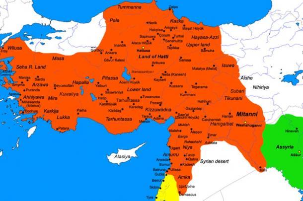 Mapa del Imperio hitita en su mayor extensión, Mersin y el montículo Yumuktepe se encuentran en la costa sur. (Javierfv1212 / Dominio público)