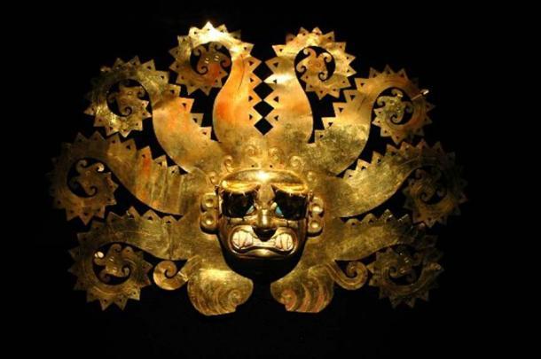 Antigua máscara peruana hecha de oro. (Carlos Santa Maria/ Adobe Stock)