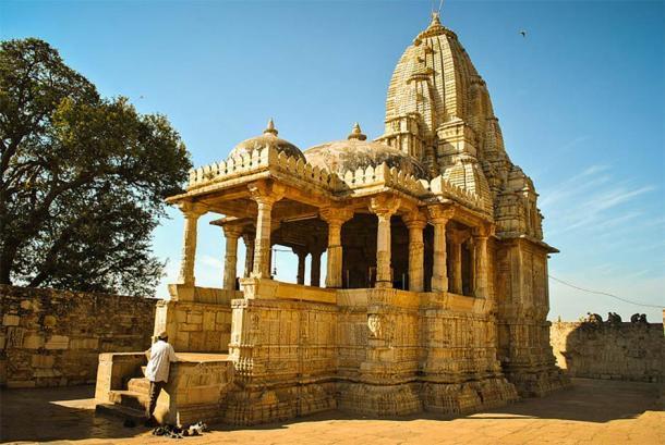 El templo Meera, en Chittorgarh en Rajasthan, es donde se dice que Mirabai oró a Krishna. (Sujay25 / CC BY-SA 3.0)