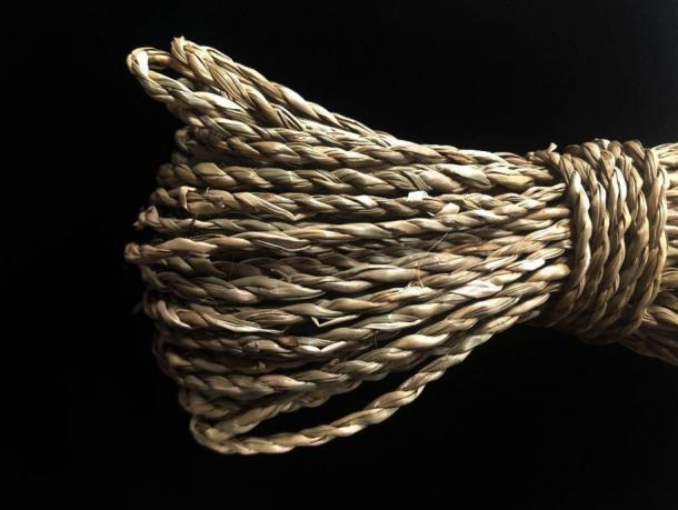Cordaje moderno hecho de hierba. Las fibras retorcidas pueden formar la base de cuerdas, redes, telas y ropa. (Crédito: B. Hardy)