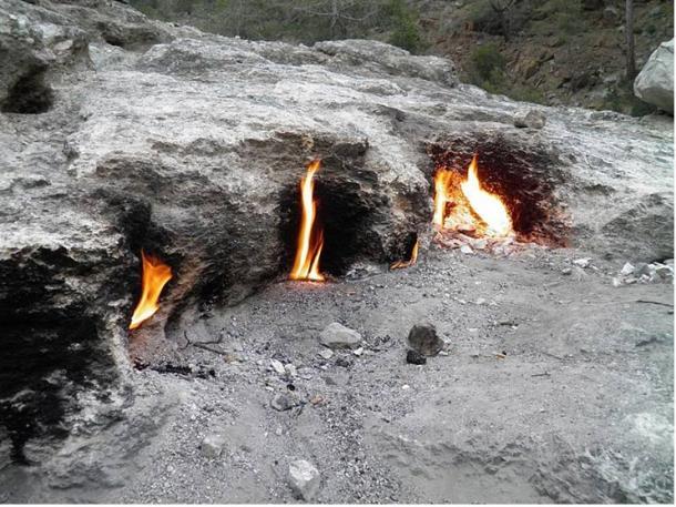 El monte Quimera era un lugar de Licia notable por sus fenómenos volcánicos y algunas fuentes muy antiguas afirman que allí nació el mito de la Quimera.