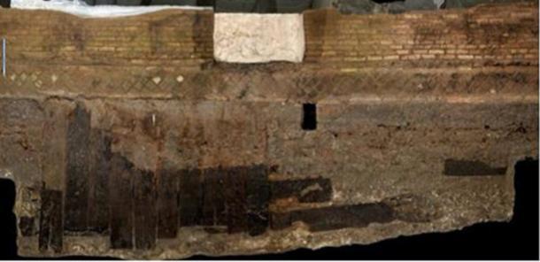 Más tablas descubiertas en el sitio de excavación (M Bernabei, J Bontadi, R Rea, U Büntgen y W Tegel / PLOS ONE)