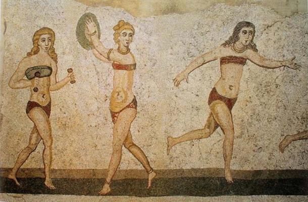 Mosaico de mujeres en bikini, Villa del Casale, Piazza Armerina, Sicilia, Italia. La historia de los 'bras' se remonta. (Dominio publico)