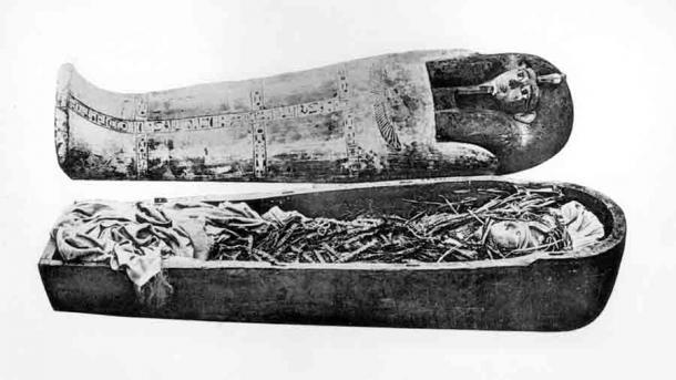 El proceso de momificación de cuerpos de personas de diferentes clases sociales fue diferente. Los de la clase alta o la nobleza eran complejos y consumían mucho tiempo, como el utilizado para el cuerpo momificado de Amenhotep I, que se encuentra en el Museo Egipcio de El Cairo. (Dominio público)