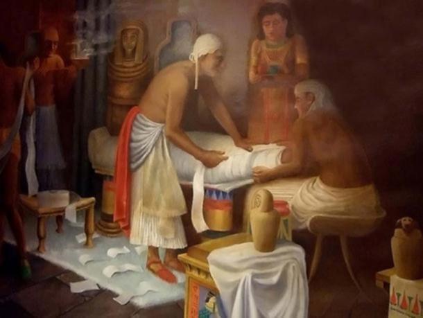 Mural de la preparación de la momia egipcia en el Museo Egipcio Rosacruz. (CC BY NC SA 2.0)
