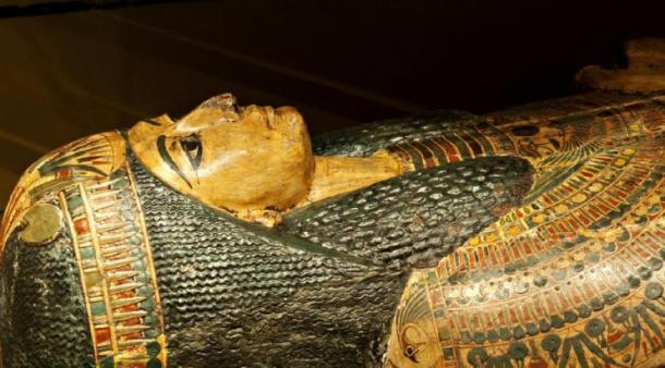 El ataúd de 3.000 años de antigüedad de Nesyamun, en exhibición en el Museo de la ciudad de Leeds. (© Museos y galerías de Leeds)