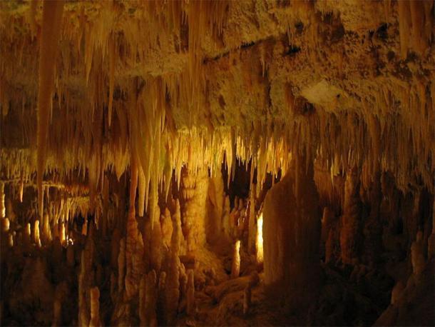 El nuevo estudio ha basado sus hallazgos en el análisis de muestras tomadas de cuevas en la meseta del karst de Murge en Apulia, Italia. (Dominio público)
