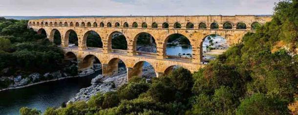 El famoso y visualmente espectacular acueducto de Nimes Pont du Gard. (CANCIÓN DE Benh LIEU (Flickr) / CC BY-SA 3.0)