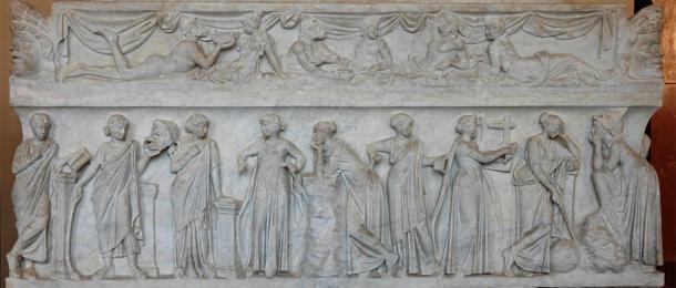 Las nueve musas en un sarcófago romano del siglo II. (Jastrow / Dominio público)