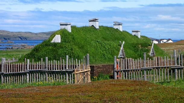 Recreación de casas nórdicas largas, L'Anse aux Meadows, Terranova y Labrador, Canadá. (D. Gordon E. Robertson / CC BY SA 3.0)