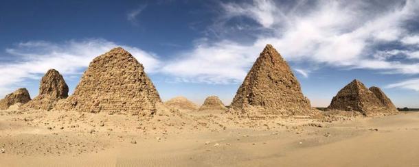 Pirámides nuri. (John Partridge)