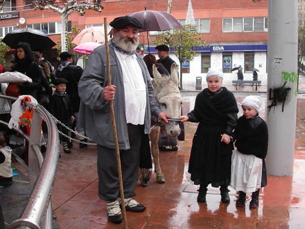 Olentzero en Beasain. Gipuzkoa, País Vasco. (Izurutuza / CC BY SA 3.0)