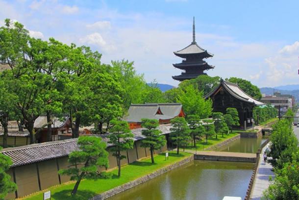 Primer plano de la pagoda de cinco pisos Toji. (Zairon / CC BY-SA 4.0)