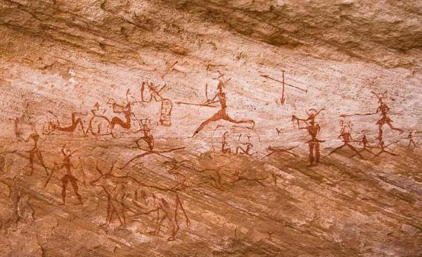Las pinturas rupestres de la región de Tadrart Acacus en Libia datan del 12.000 a.C., al 100 d.C. (CC BY-SA 2.5) La historia humana y canina ha estado vinculada durante mucho tiempo.