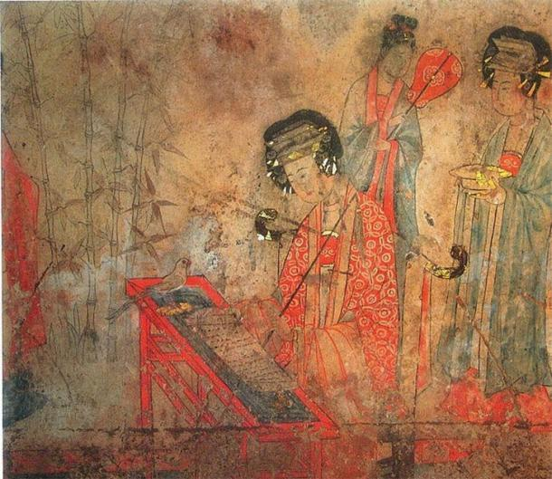 Pintura mural de la tumba de Pao-shan de la dinastía Liao: el noble consorte Yang está enseñando a un loro a cantar sutras. (Dominio publico)