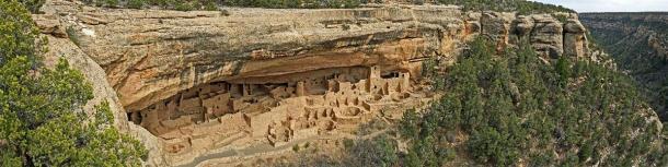 Viviendas en acantilados Anasazi en el Parque Nacional Mesa Verde, Estados Unidos. (Tony Craddock / Adobe Stock)