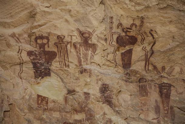 Panel de pictogramas Anasazi en Sego Cañón, Utah, que muestra seres extraños. (RLW / Adobe Stock)