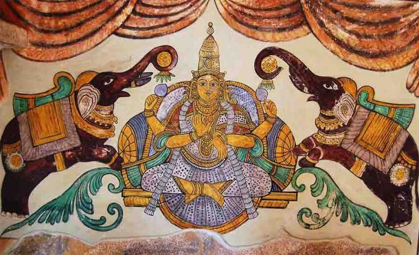 Pintura de Lakshmi encontrada en las paredes interiores del templo Peruvudaiyār Kōvi o Brihadishwara, un importante complejo de templos hindúes dedicado a Shiva ubicado en Tamil Nadu, India. (Ankushsamant / CC BY-SA 3.0)