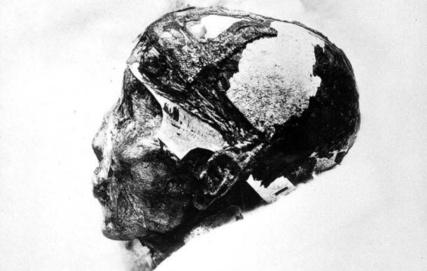 Primer plano de la cabeza del rey Tut. (Fæ / CC BY-SA 4.0)