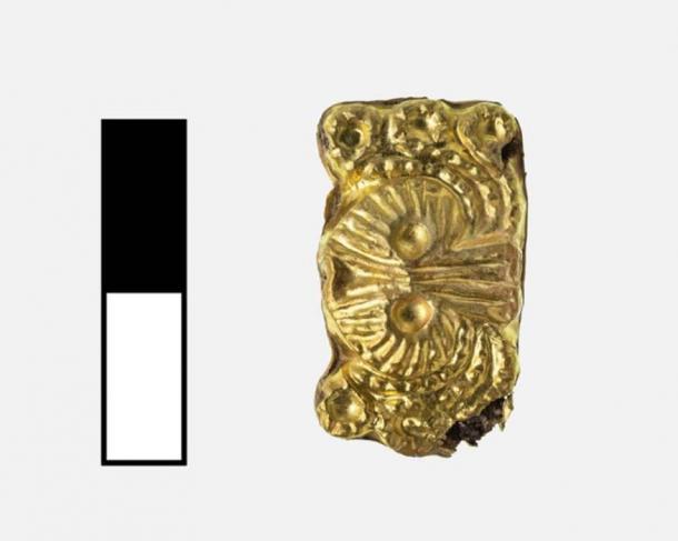 Los arqueólogos de la UC encontraron varias piezas de oro, incluido este doble argonauta (tipo de criatura pulpo). (UC Classics)
