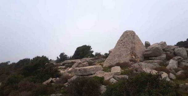 Restos de un dolmen de basalto en el distrito de Akkar, en el norte de Líbano. (ASOR)