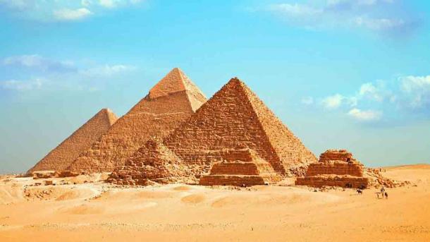 ¿Podría ser realmente cierto que las tumbas piramidales de Akrum inspiraron a los faraones a construir las famosas pirámides egipcias? (Ahmed / Adobe Stock)